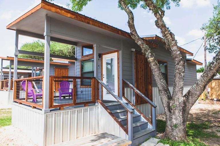 Stunning Modern Tiny House for Glamping near Canyon Lake, Texas