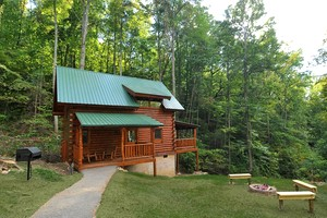 Photo of Natural Retreats - Great Smoky Mountains - Bearfoot Inn #35