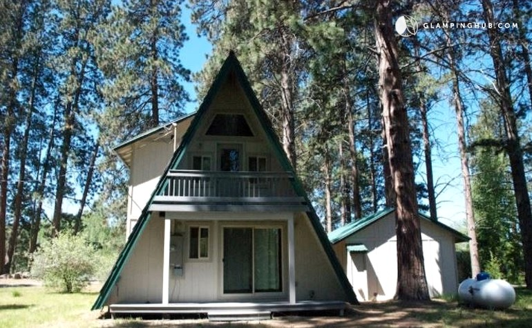 Secluded A-Frame Cabin with Beach Access in Chiloquin, Oregon