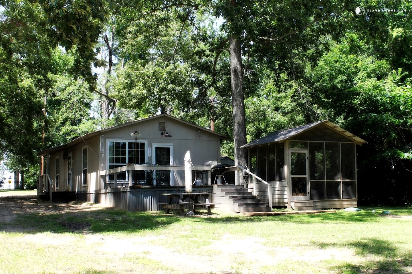 Family friendly cabin rental in east texas for Fishing cabins for rent in texas