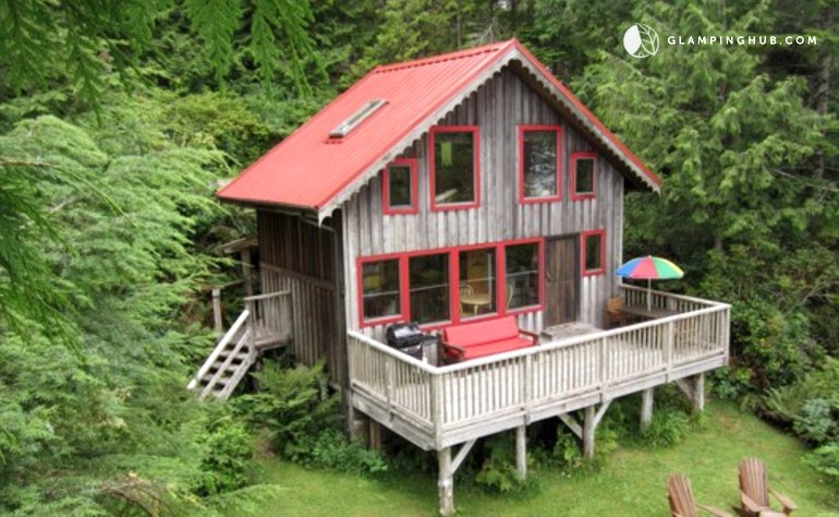 secluded cabin rental near pacific rim national park. Black Bedroom Furniture Sets. Home Design Ideas