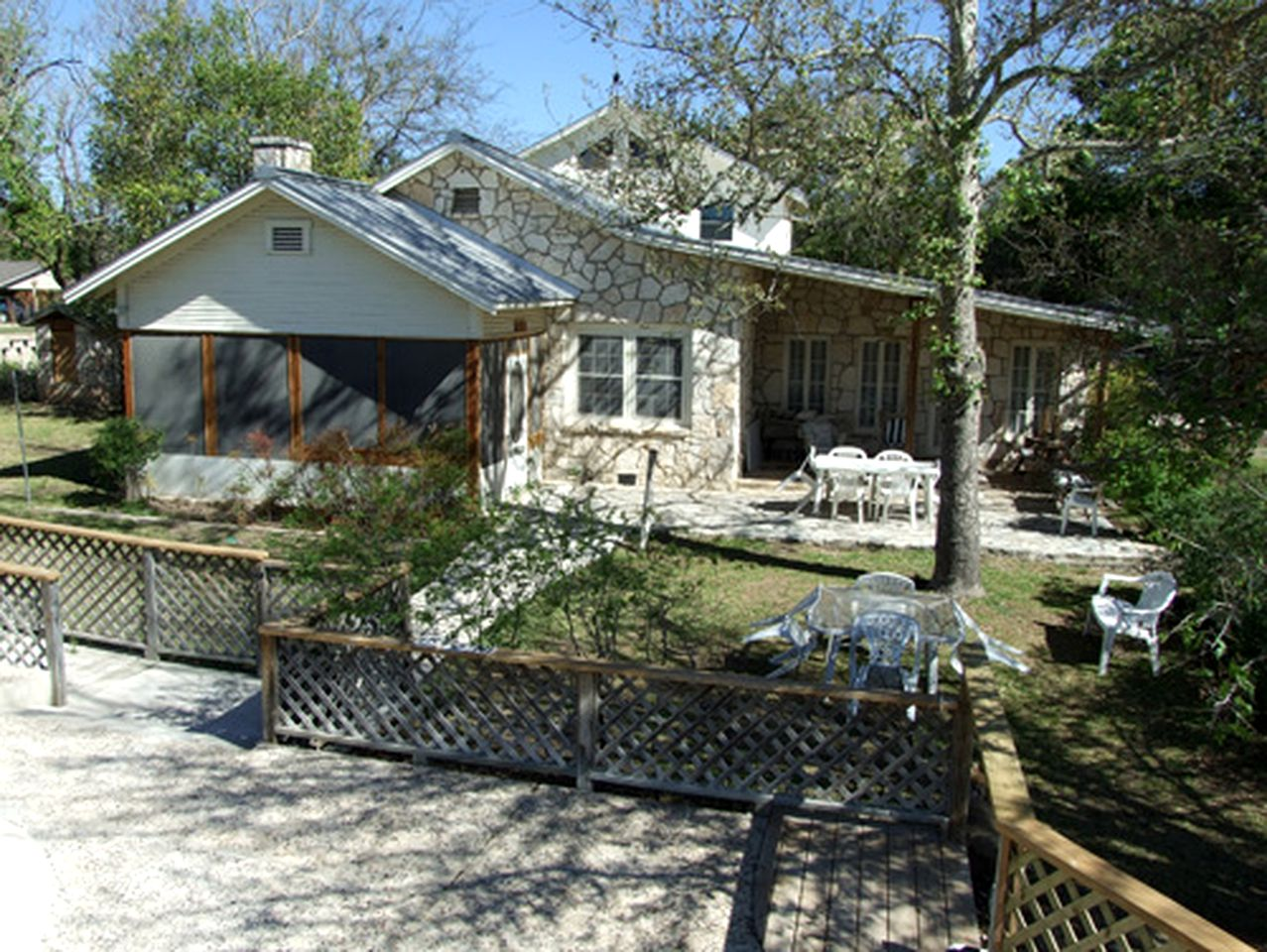 Vacation Rentals (Ingram, Texas, United States)