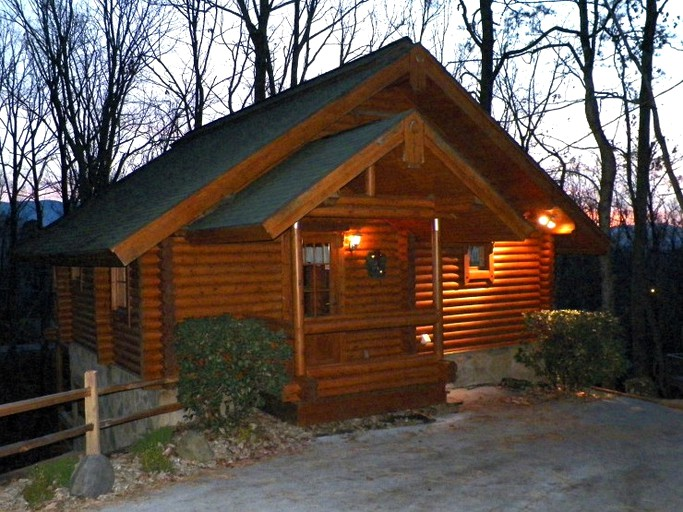 Rustic Log Cabin Rental With Amazing Forest Views In Gatlinburg Tennessee