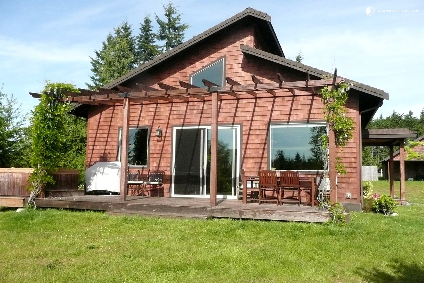 Cabin rental with hot tub in port angeles washington for Washington state cabins for rent