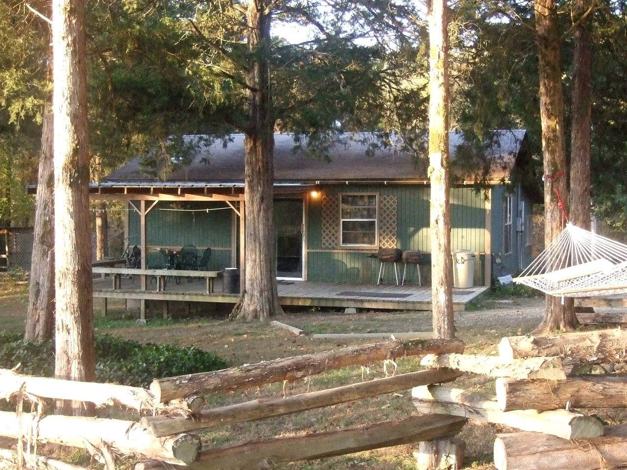 Cabins (Pencil Bluff, Arkansas, United States)
