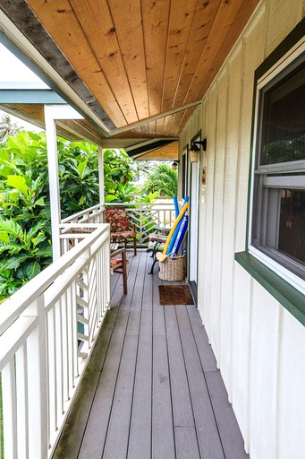 Tropical Cottage Rental Walking Distance To Kailua Beach On Oahu Hawaii