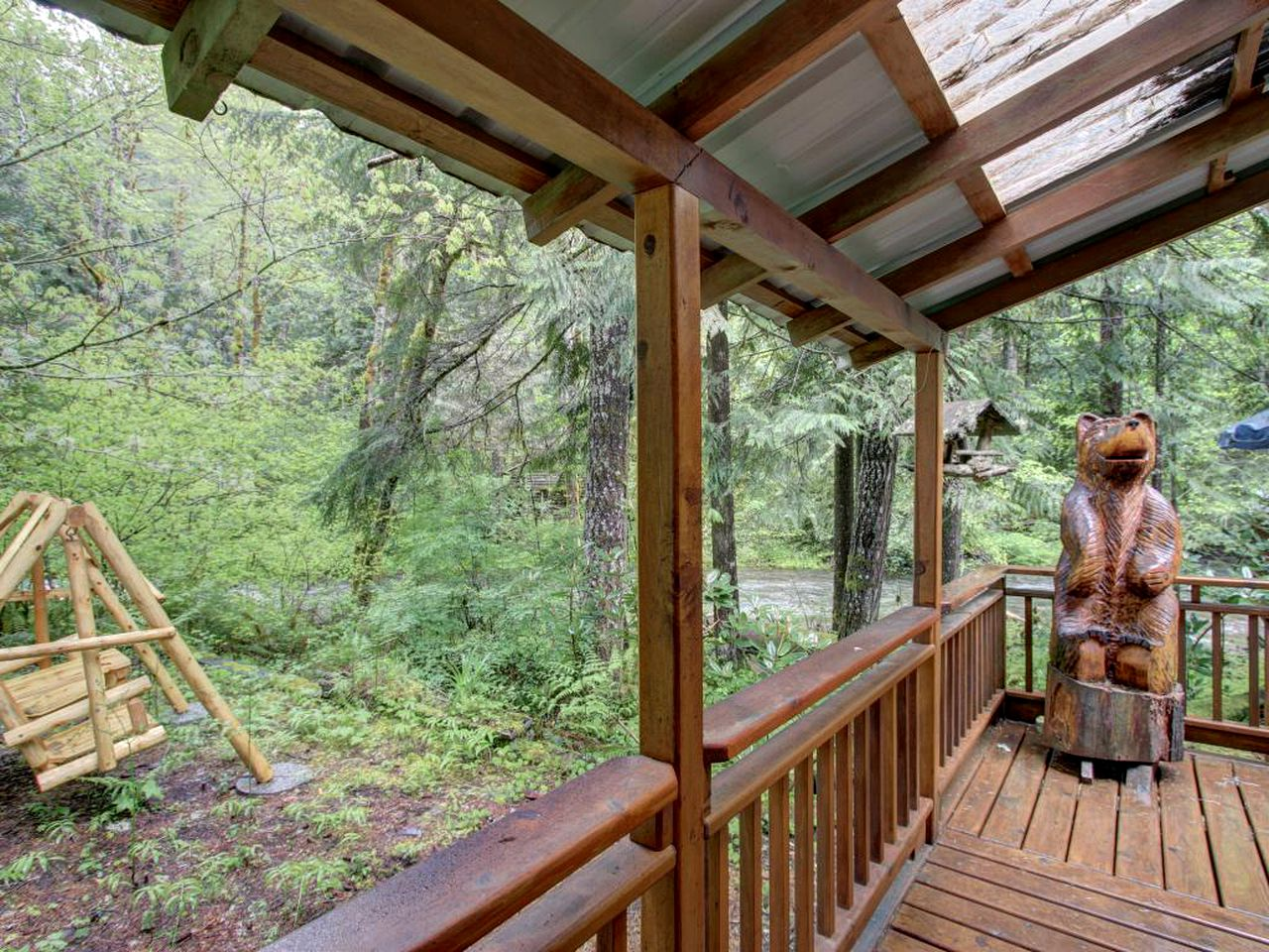 Salmon river cabin rental (Welches, Oregon, United States)