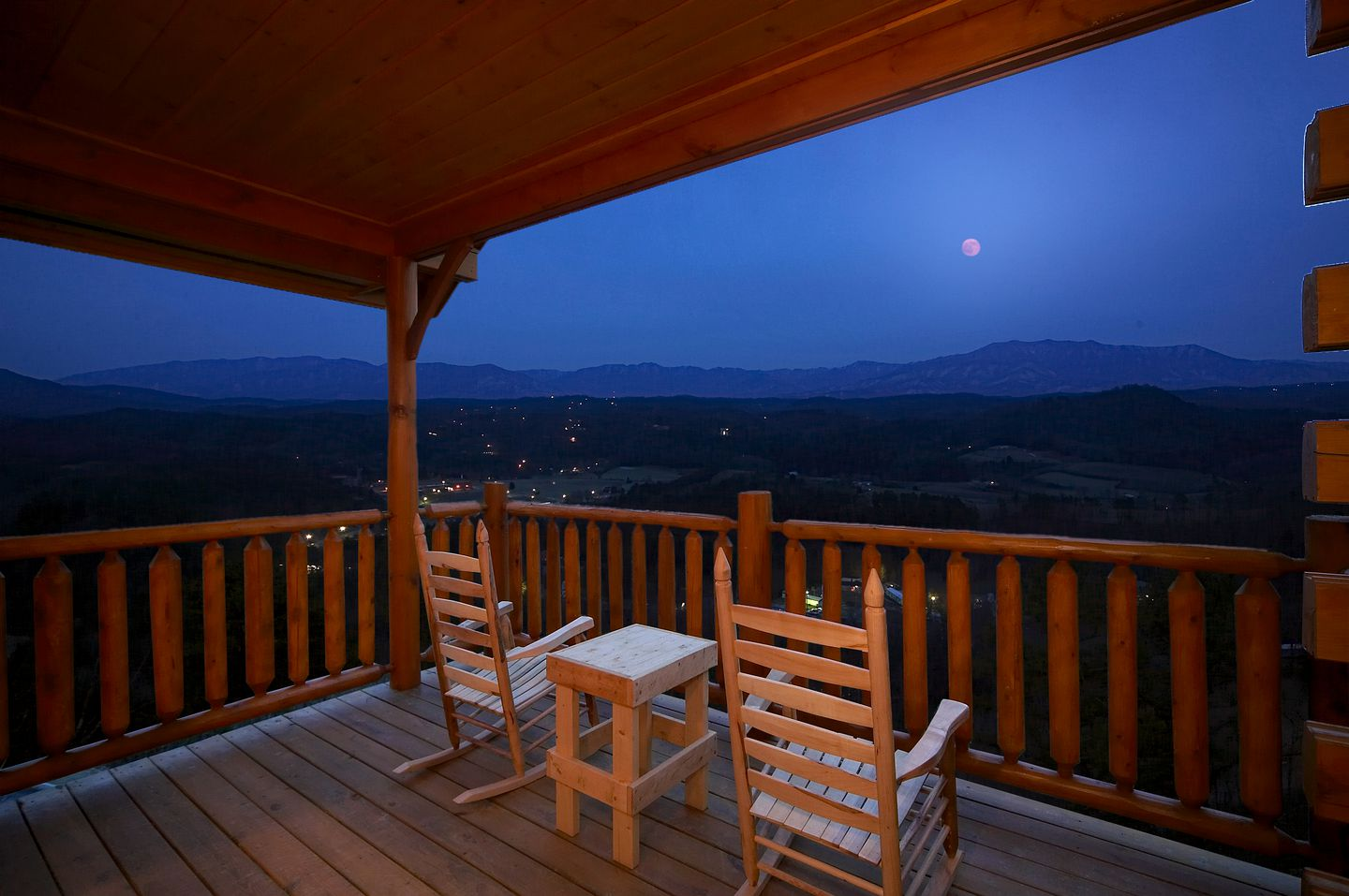 This Pigeon Forge cabin comes with a hot tub and epic mountain views making it ideal for a getaway in Tennessee