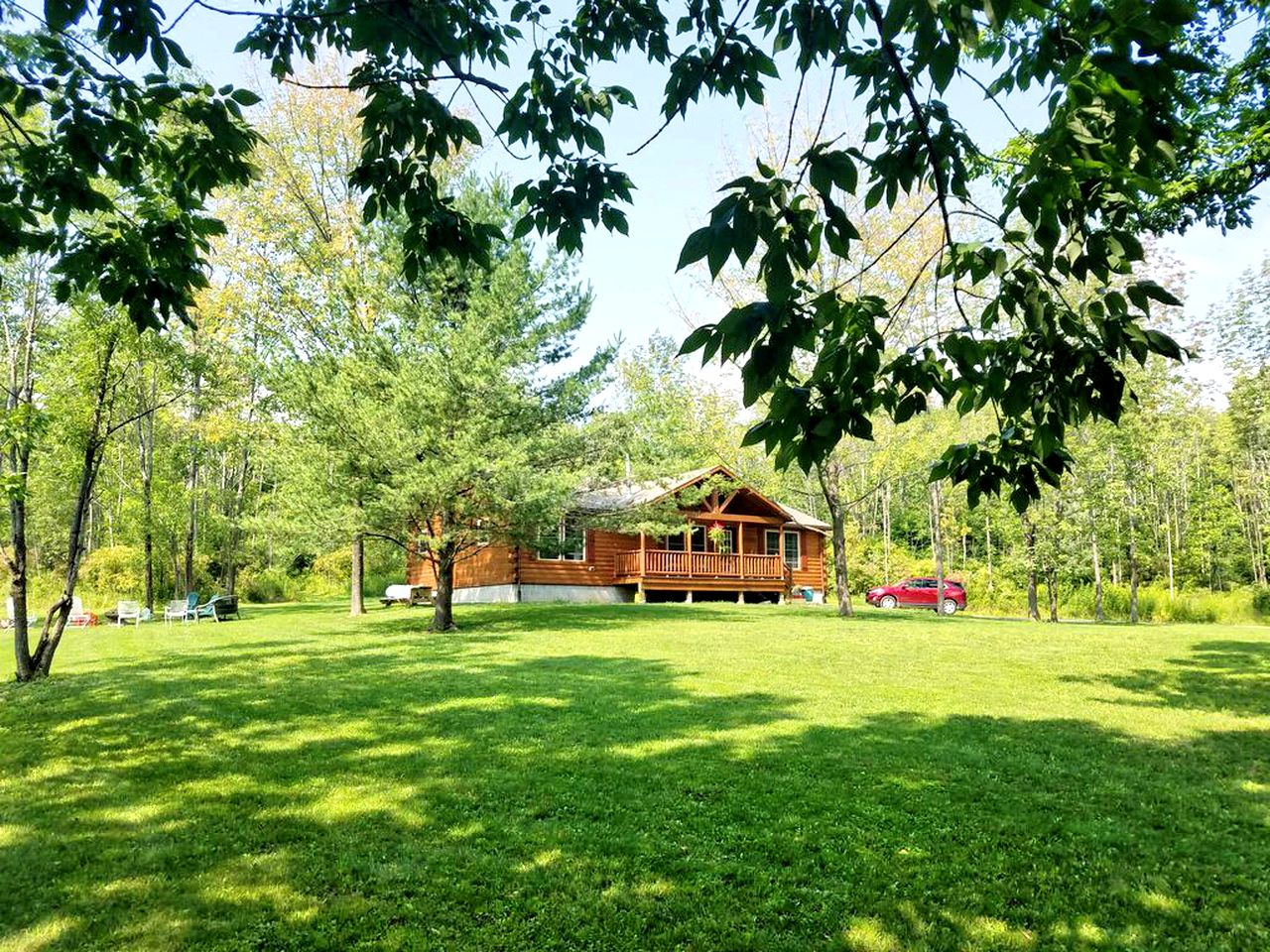 Cabins (Branchport, New York, United States)
