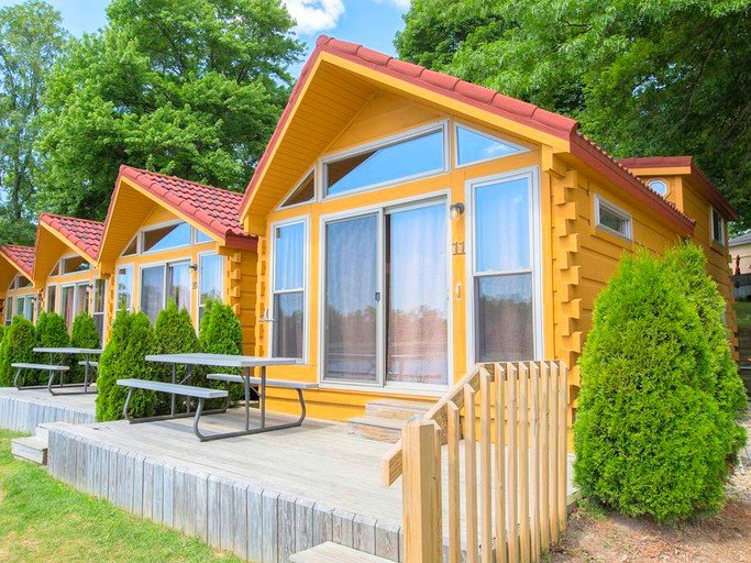 Pet-Friendly Cabin Rental on a Peaceful Lake Resort near Lake Erie,  Pennsylvania