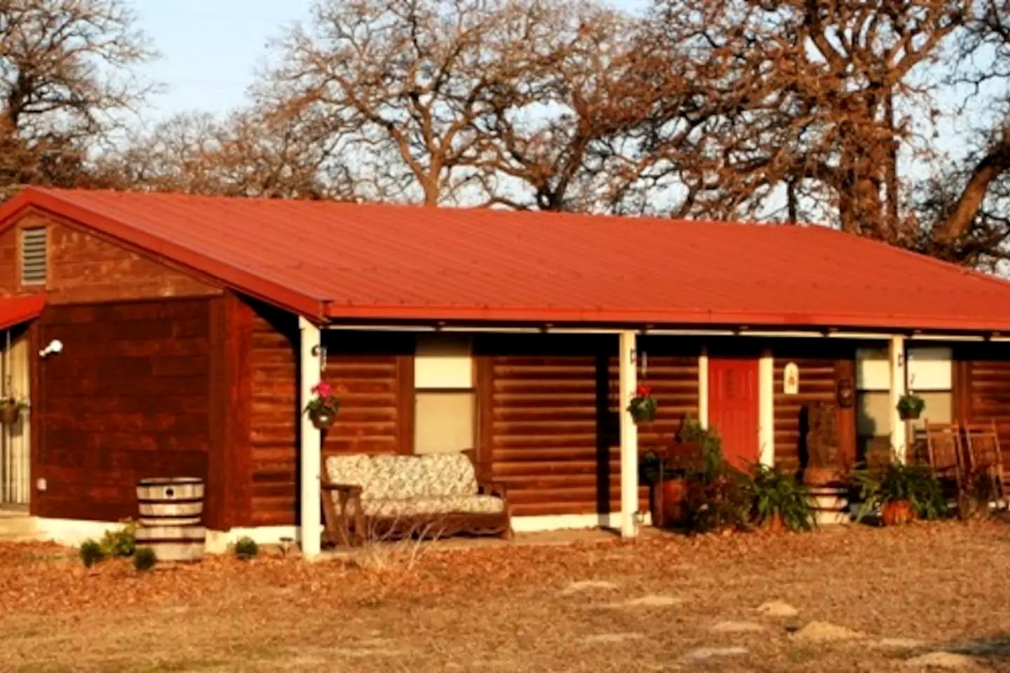 Nature Lodges (McDade, Texas, United States)