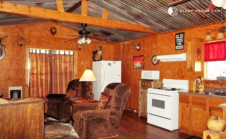 Secluded cabin rental in texas hill country for Texas hill country cabin rentals
