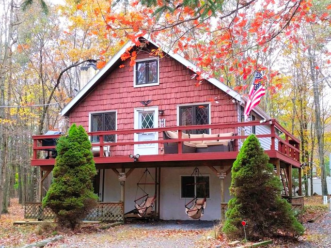 Prime Picturesque Woodland Cabin Rental In The Poconos Mountains Of Pennsylvania Interior Design Ideas Inesswwsoteloinfo