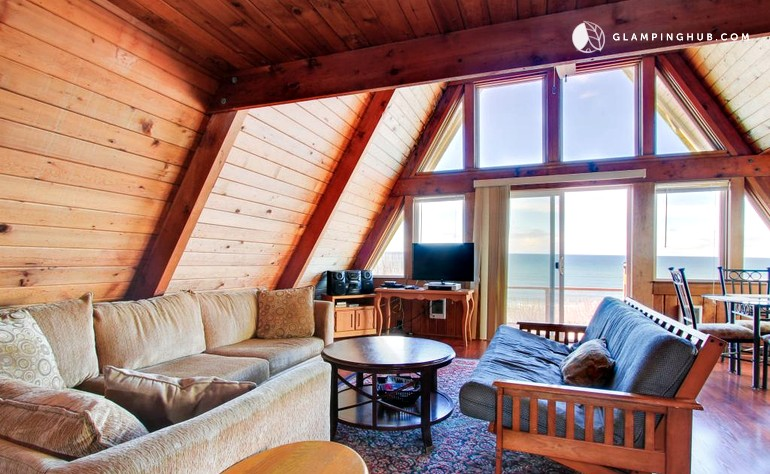 Waterfront cabin in lincoln city oregon for Pacific city oregon cabins