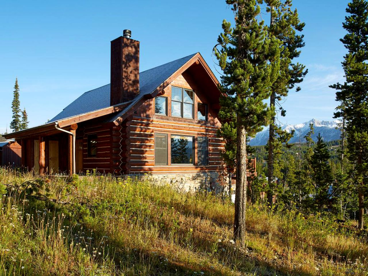 Exterior of Big Sky skiing rental in Montana