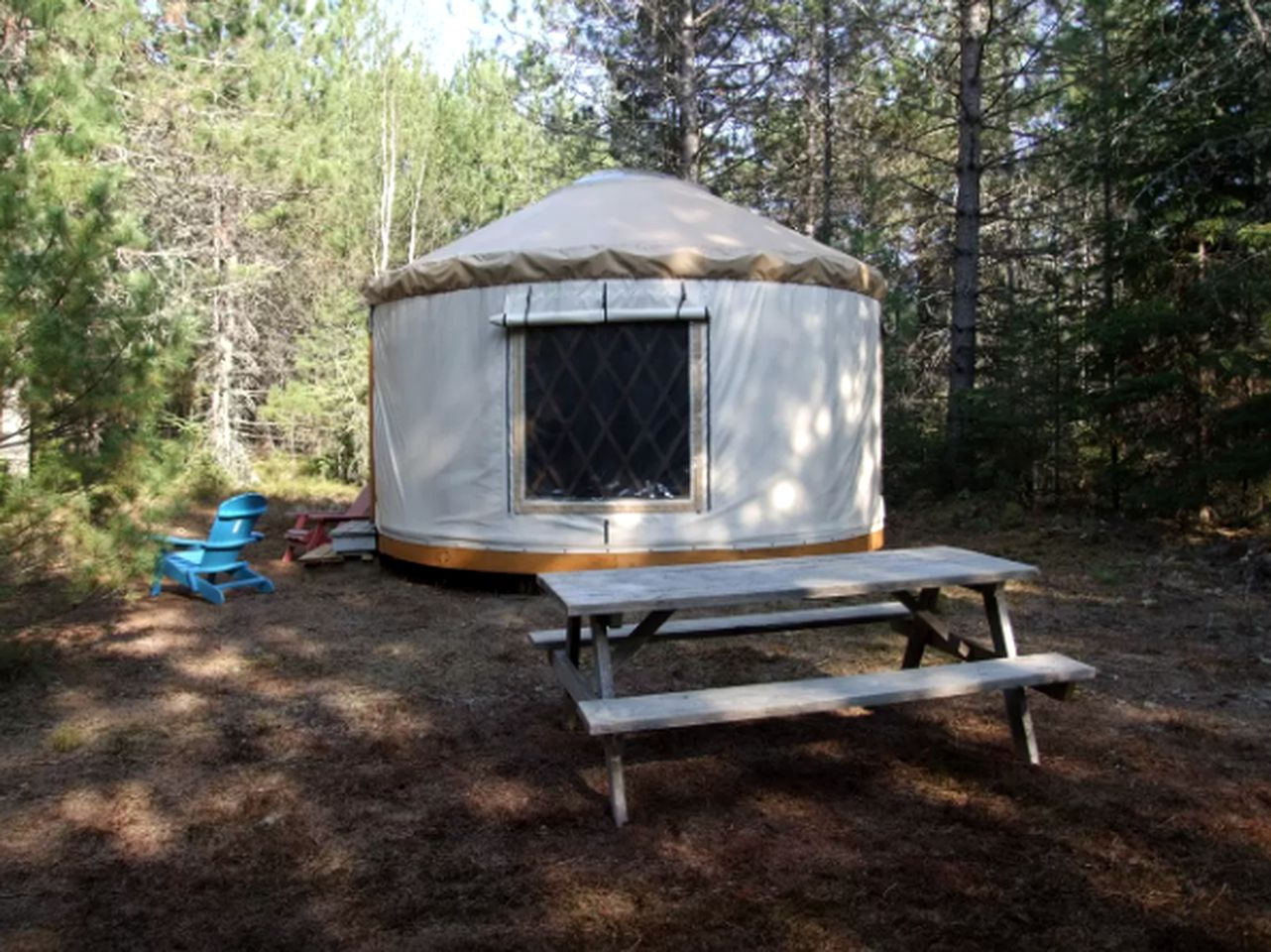 Secluded spot for luxury yurt camping in Quebec