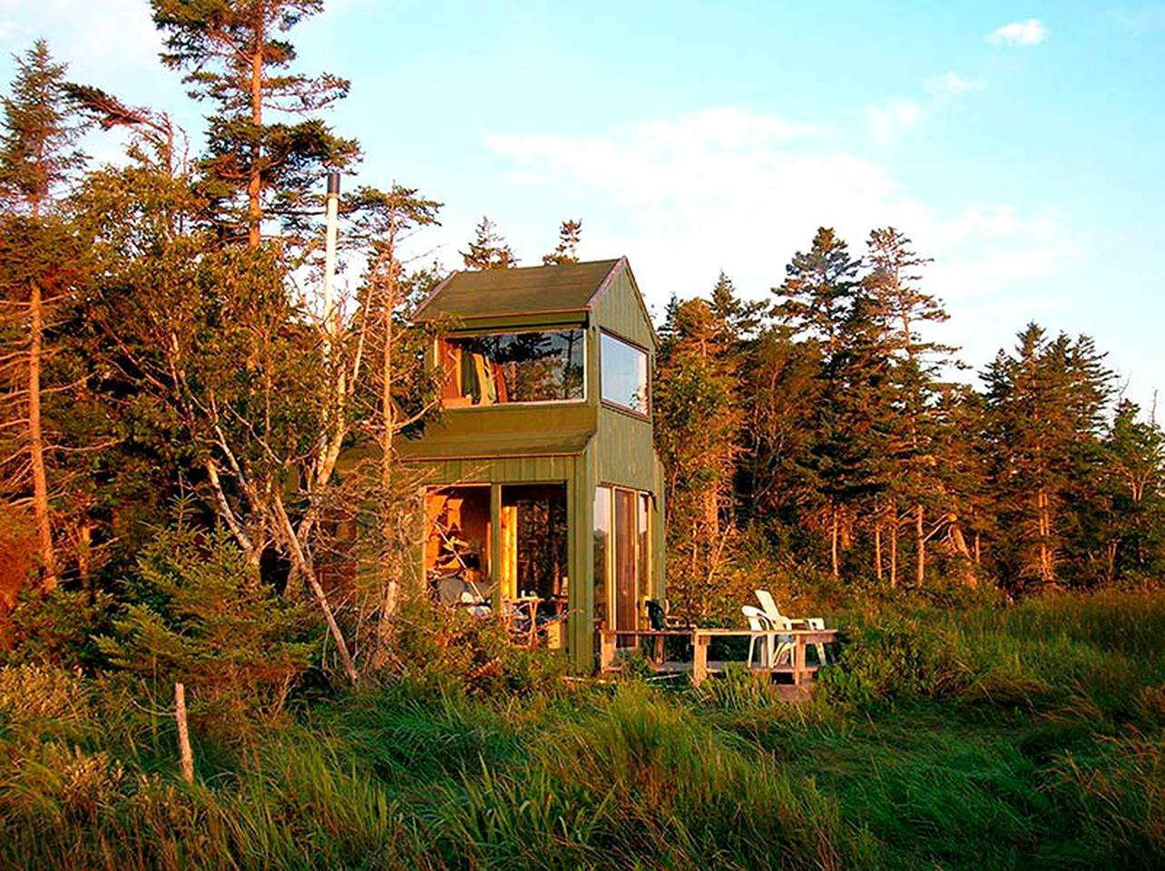Eco-Cabin rental for a secluded getaway in New Brunswick, Canada