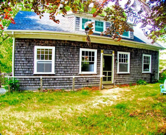 Pleasant Lovely Vacation Rental Perched On Wash Pond Near Narragansett Beach Rhode Island Home Interior And Landscaping Ferensignezvosmurscom