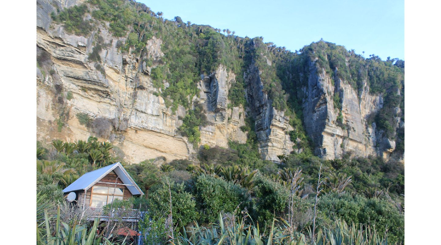 Cabins (Punakaiki, South Island, New Zealand)