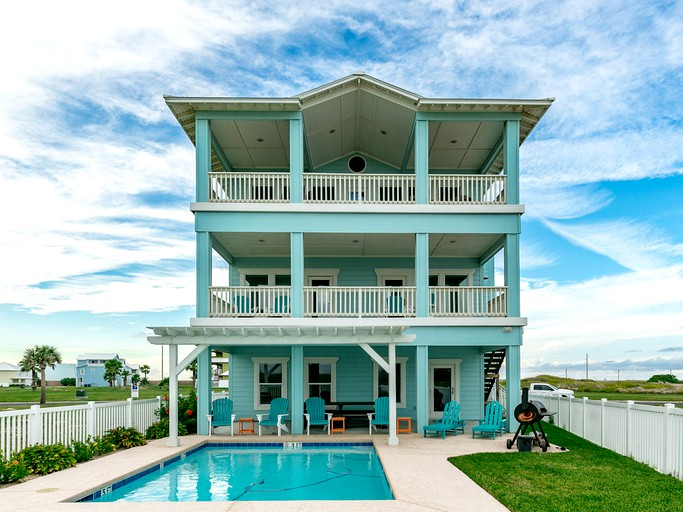 Surprising Exceptional Vacation Rental With A Private Pool Near The Ocean In Corpus Christi Texas Interior Design Ideas Gentotthenellocom