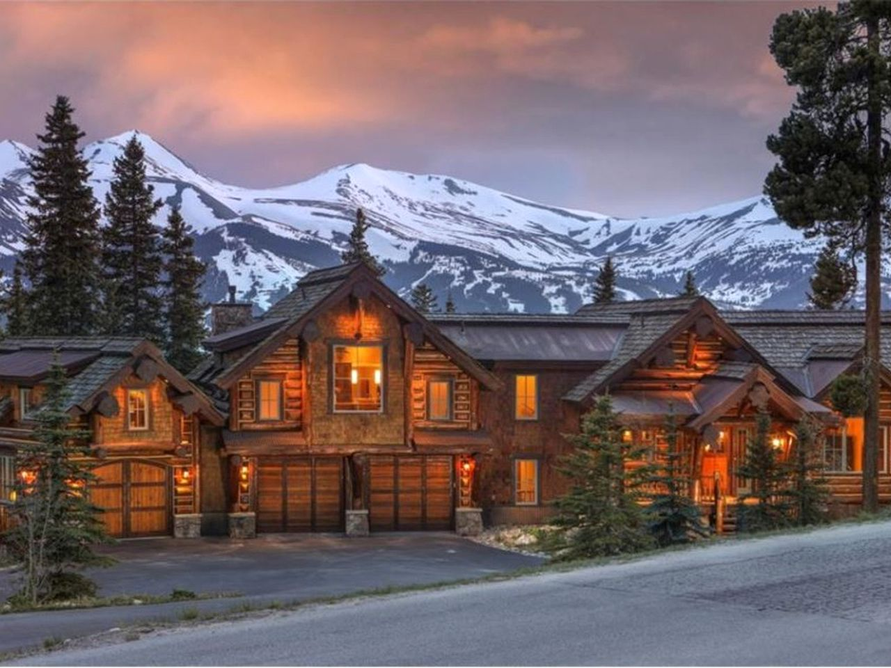 Log Cabins (Breckenridge, Colorado, United States)