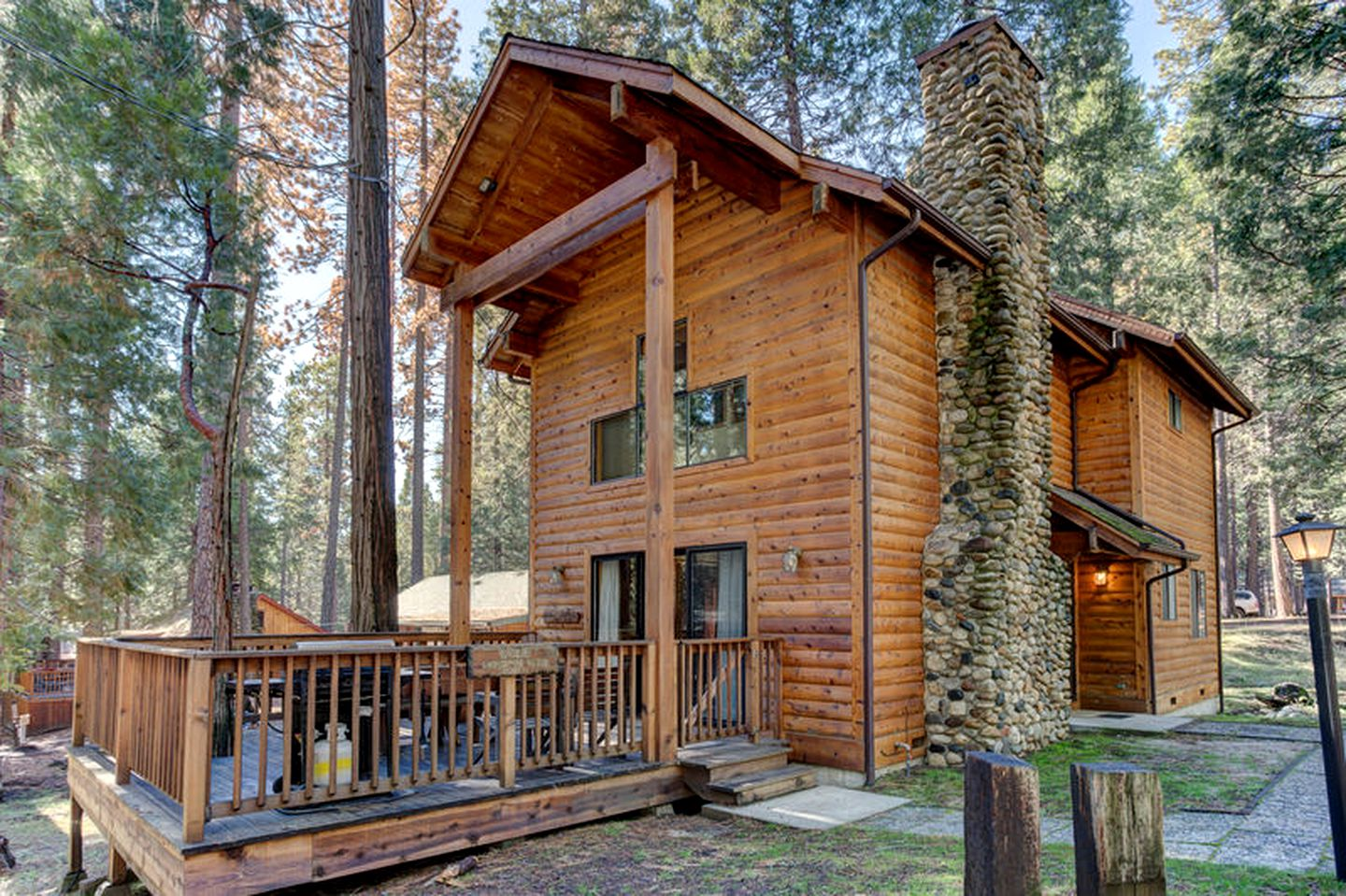 Log Cabins (Wawona, California, United States)