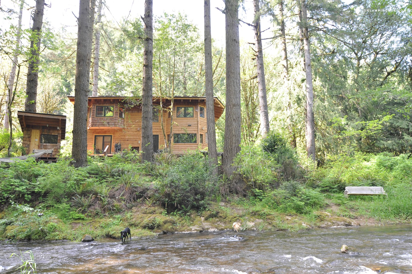 Luxury eco friendly cabin oregon for Eco friendly cottages