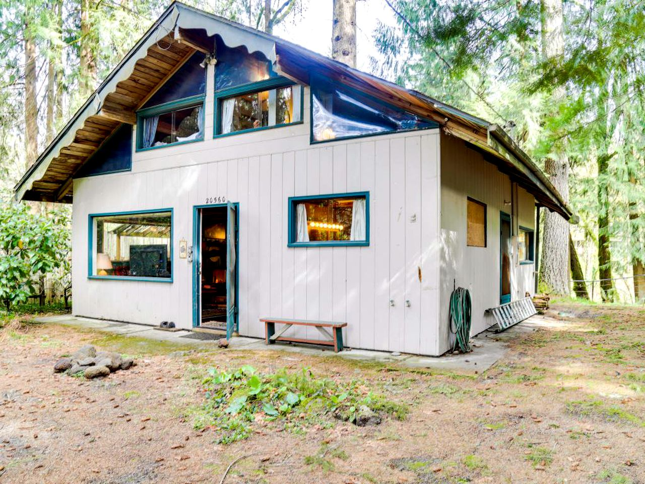 Cabins (Brightwood, Oregon, United States)