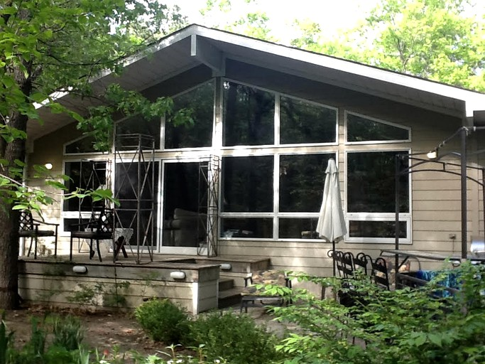 Enjoyable Luxury Studio Rental In A Charming Cottage On Lake Huron Near Grand Bend Ontario Download Free Architecture Designs Ferenbritishbridgeorg