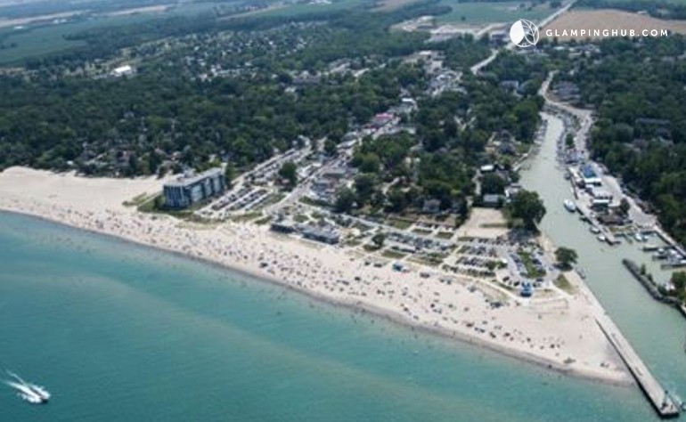 Accommodations Near Grand Bend Ontario