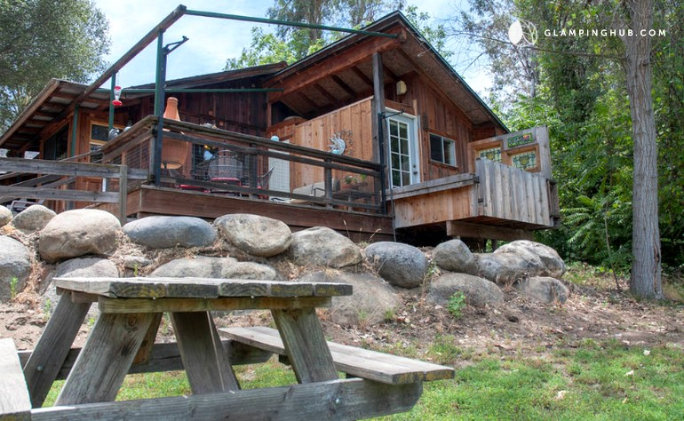 canyon u exterior muir htm planyourvisit lodge sequoia parks cabins john park lodging s kings seki national