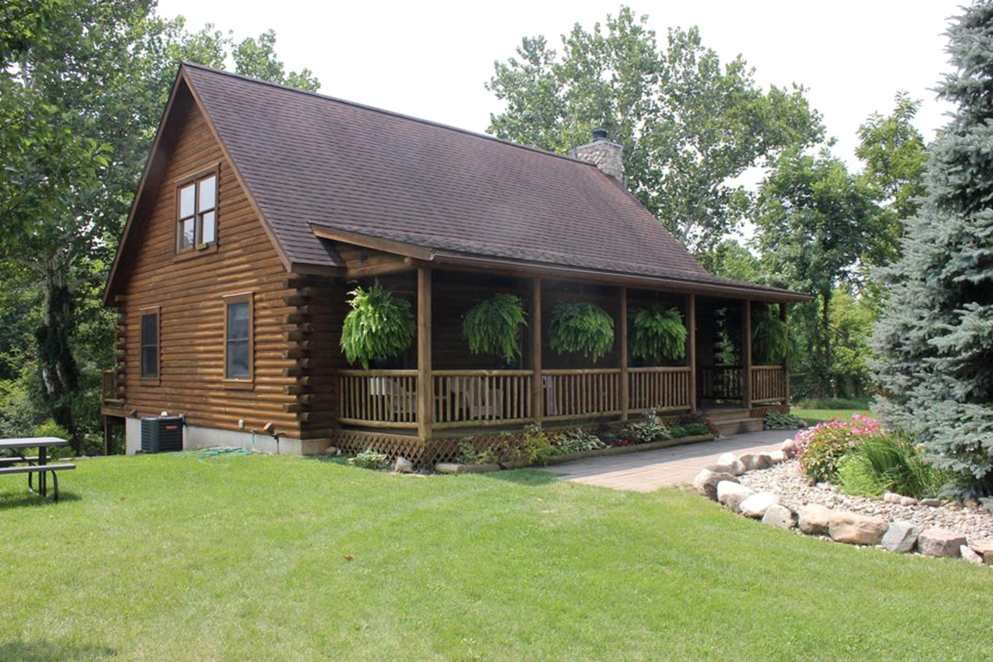 Log Cabins (Centreville, Michigan, United States)