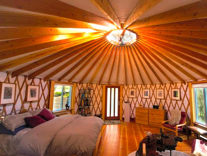 Romantic and Secluded Yurt Rental near Yosemite National Park in Oakhurst,  California