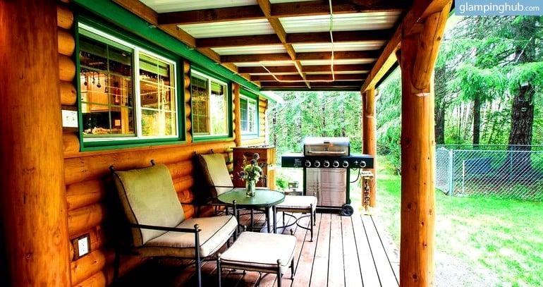 view rentals more rainier photos accommodations hc lodging cabin honeymoon near mt cabins bedroom