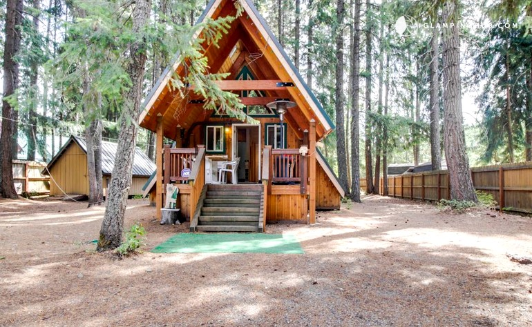 Romantic log cabin close to lake easton state park washington for Washington state park cabins