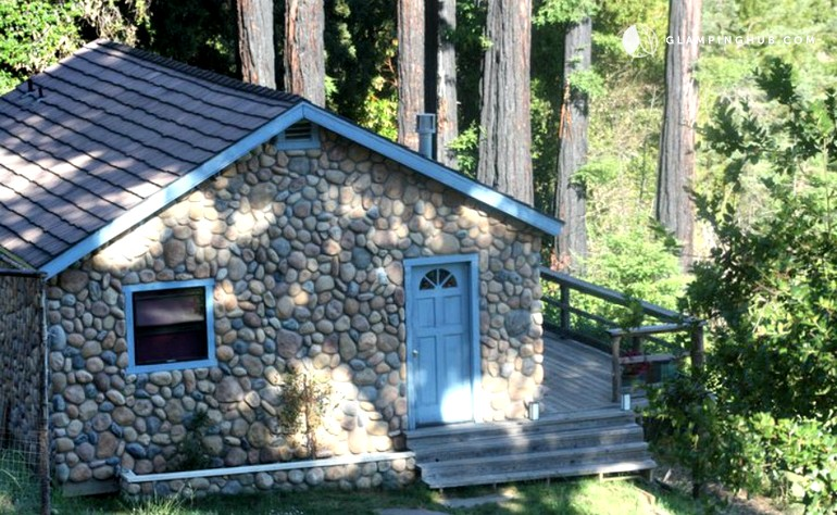 destinations klamath beach s northern california vacation rentals river cabin coast cabins on