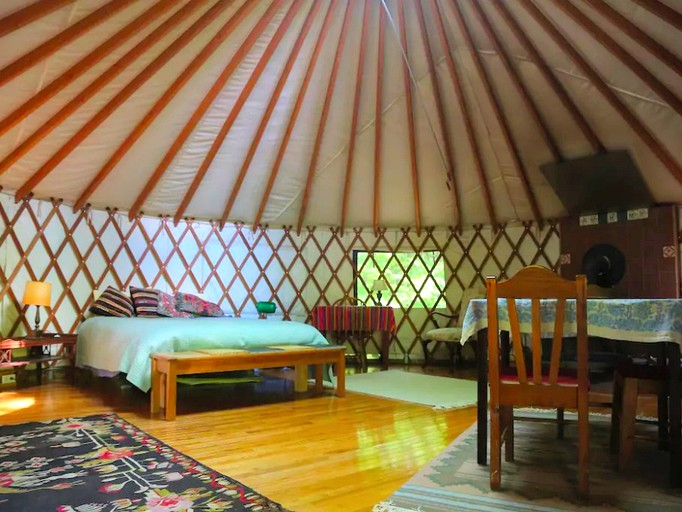 Romantic Yurt Rental   Williamsburg, MA   Berkshires Vacation
