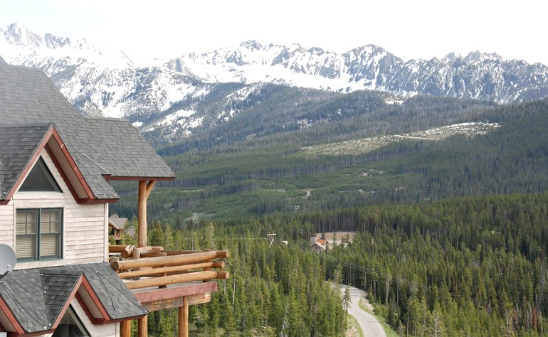 Cabin rental in big sky montana for Big sky cabin rentals