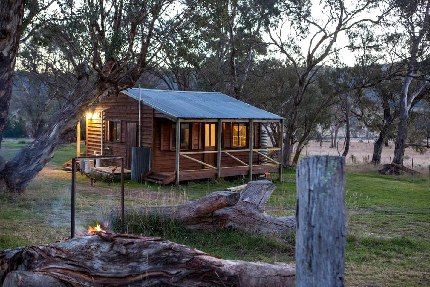 Cabins (Williamsdale, New South Wales, Australia)
