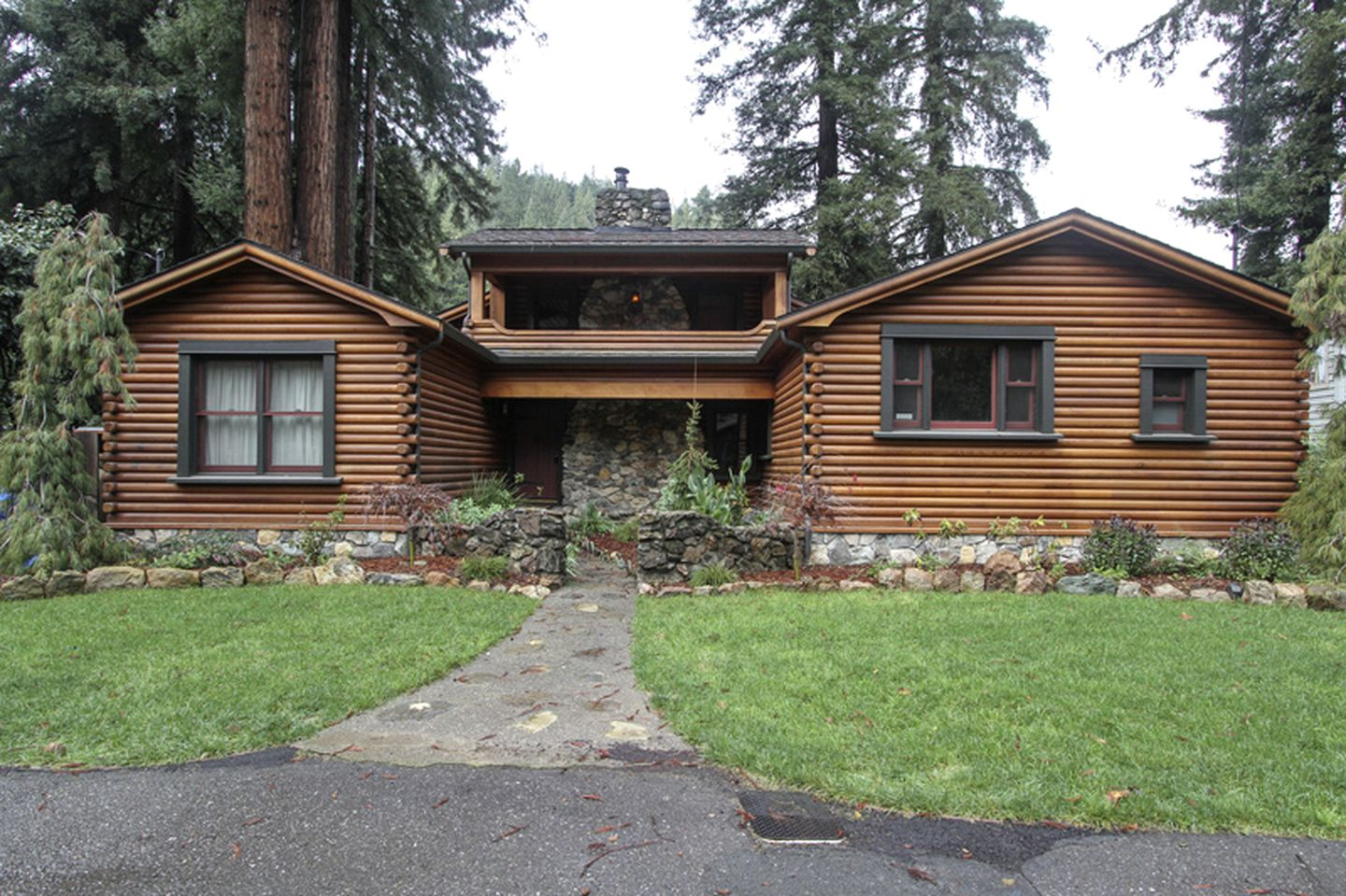 Log Cabins (Guerneville, California, United States)