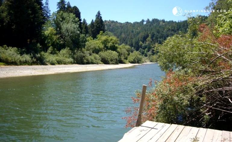 Cabin near forestville california for Russian river cabins