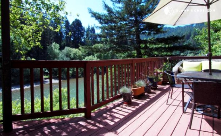 Vacation cabin on russian river in guerneville california for Russian river cabins guerneville