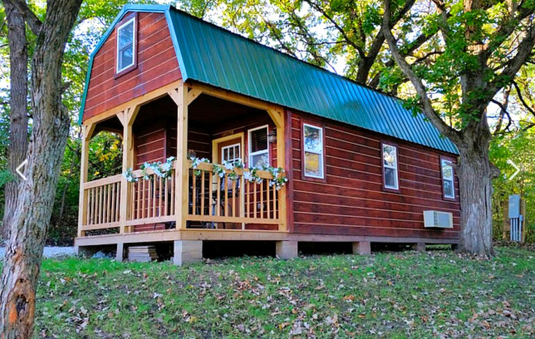 Rustic And Pet Friendly Cabin Rental For Six Within Easy Reach Of Des Moines Iowa