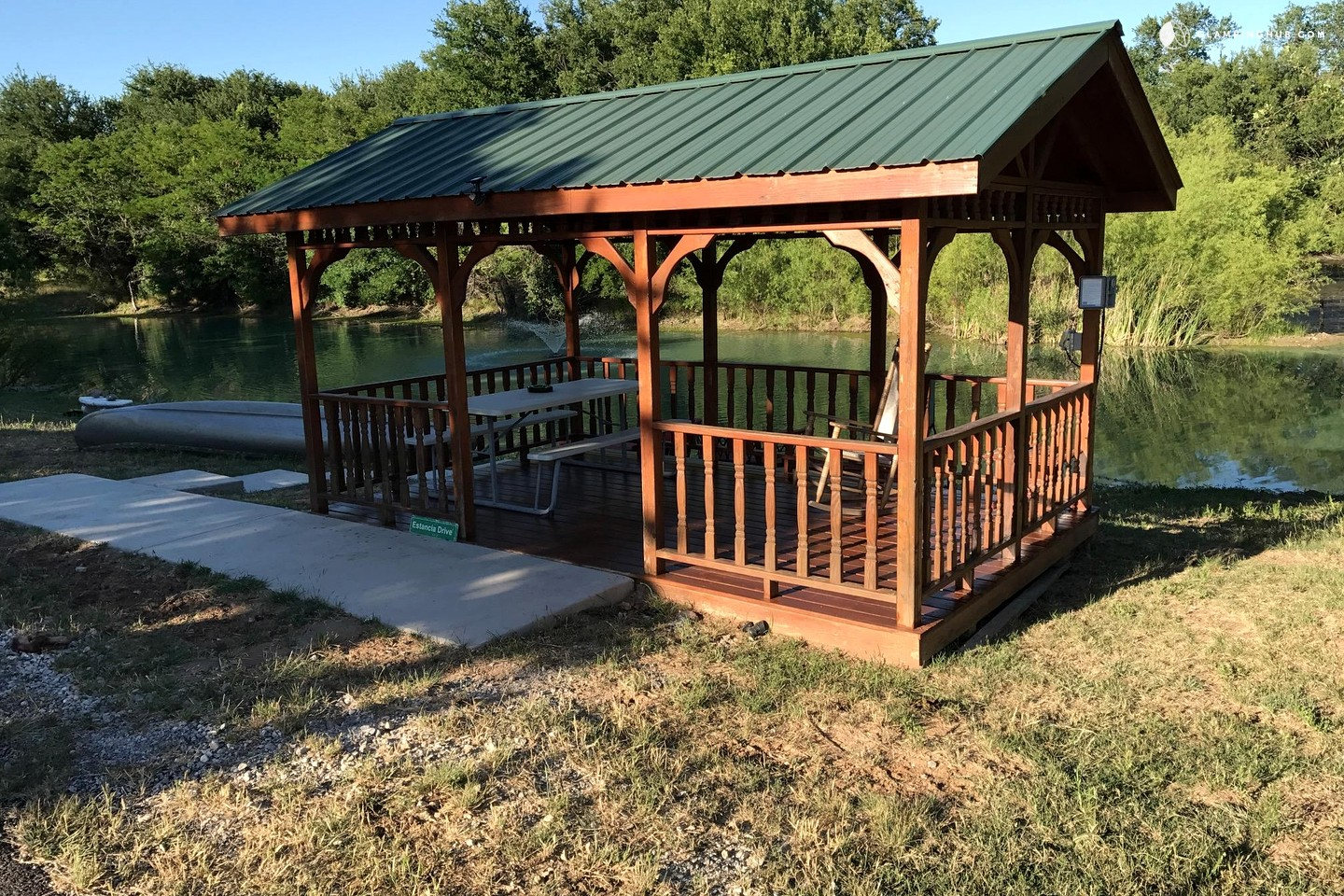 Fishing cabin in bridgeport texas for Fishing cabins for rent in texas