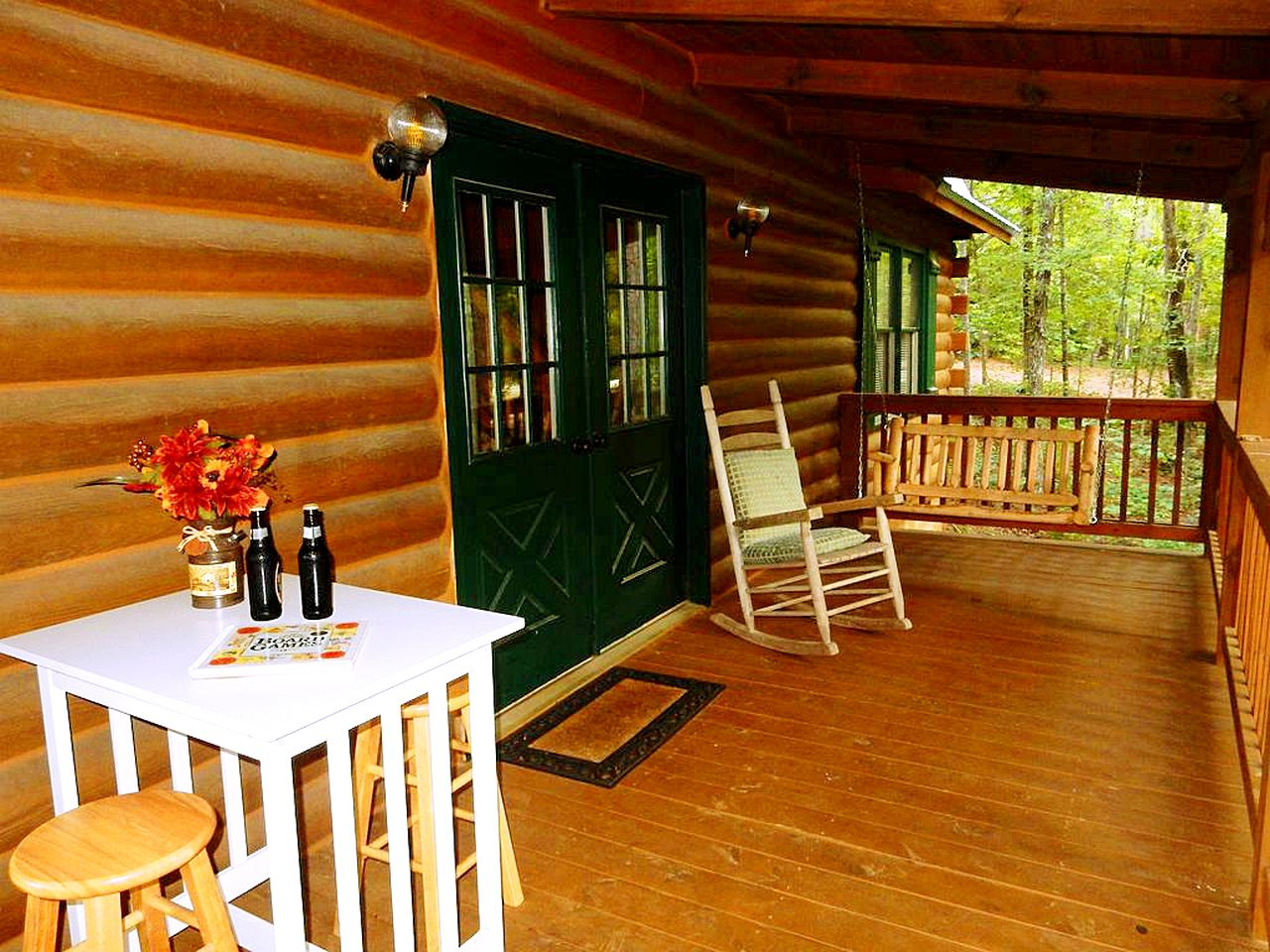 Front deck of a cabin rental in Pine Mountain, Georgia.