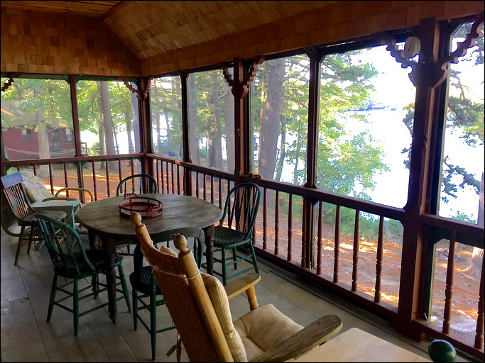 Lakefront Cabin Near Portland Maine