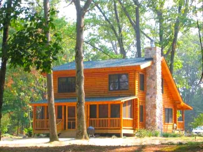 Rustic Log Cabin Rental on Goshorn Lake near Saugatuck, Michigan