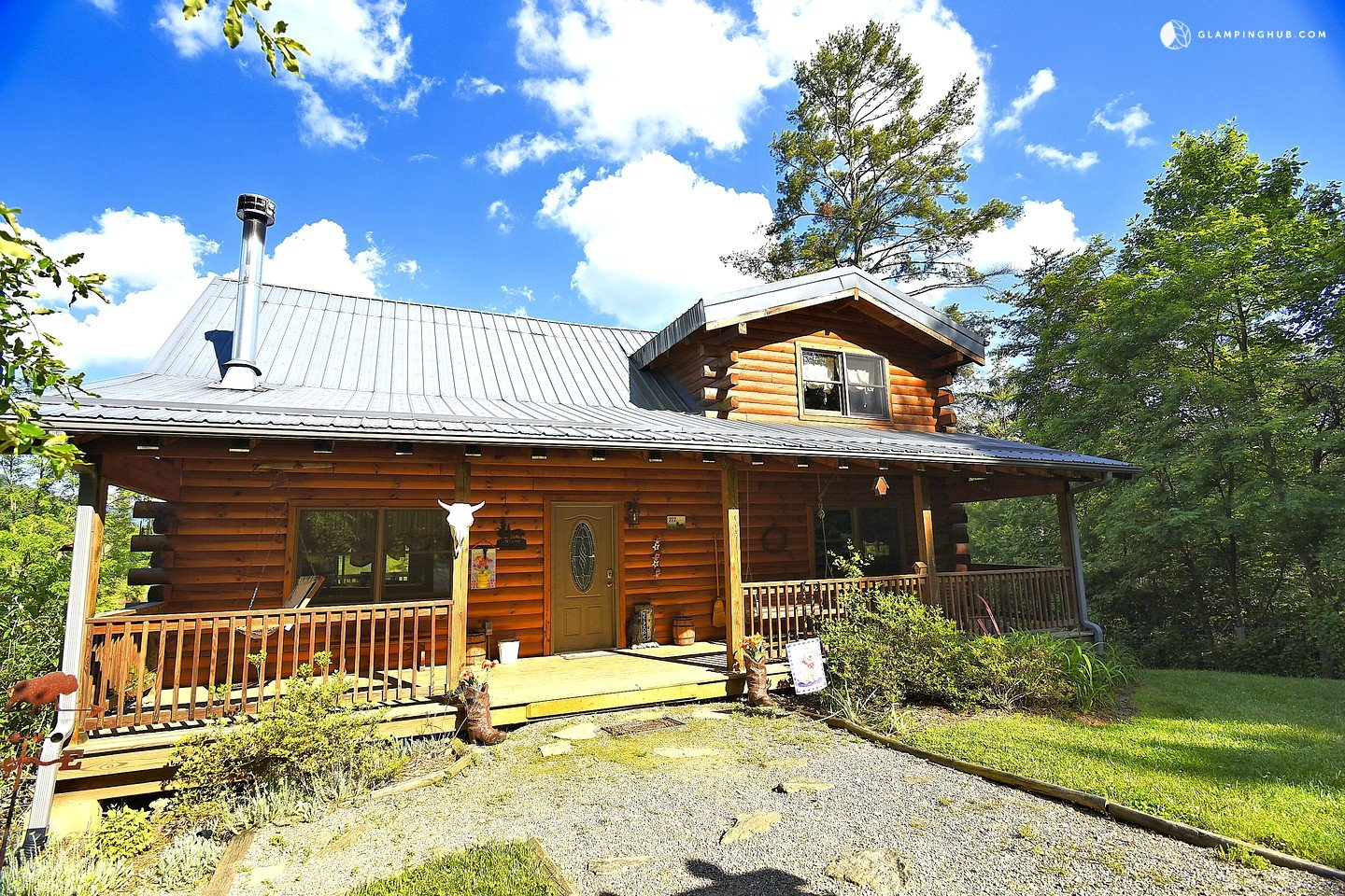 cabin rental with a hot tub near asheville