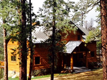Cabins with Hot Tubs in the Midwest | Glamping Hub