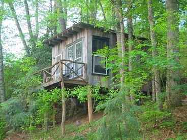 Luxury Tree House Cabins in North Carolina